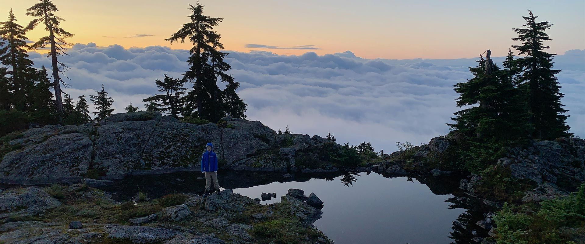 vimff family hikes north vancouver title bg