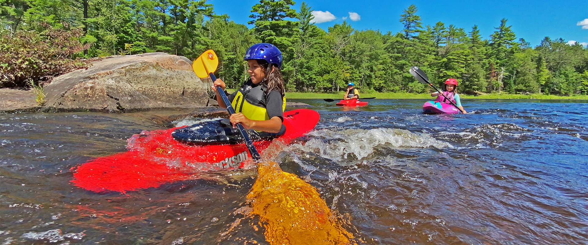 vimff family show the new generation of whitewater paddlers title bg